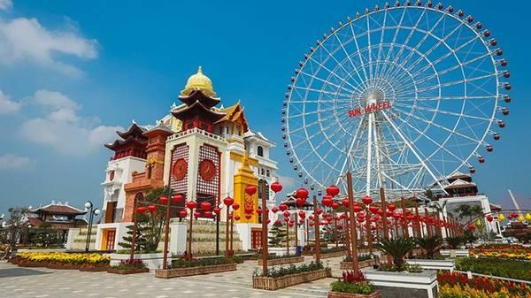 Vòng quay Sun Wheel trong Asia Park