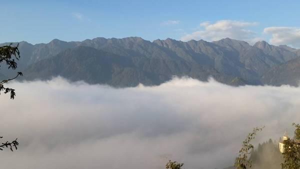 Không khó để săn được biển mây từ Grand View Sapa. Ảnh: Ngô Nhật Huy