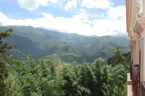Tầm nhìn từ ban công các phòng của Grand View Sapa