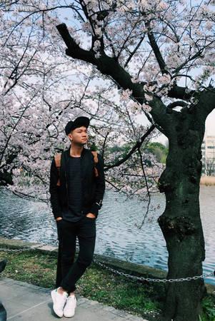 """Lịch trình sơ bộ của Thiện Chí bao gồm 17 ngày ở Nhật Bản, đi dọc qua các thành phố Tokyo - Osaka - Kyoto - Nara - Gifu - Takayama với mục đích chính là """"săn"""" bằng được những khuôn hình đẹp nhất của mùa hoa anh đào."""