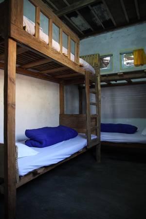 Một dạng phòng dorm với thiết kế đơn giản.