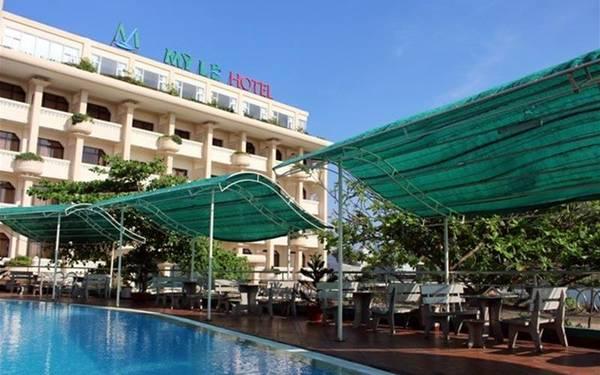 Khách sạn tọa lạc ở vị rất thuận lợi cho việc tham quan, ăn uống.