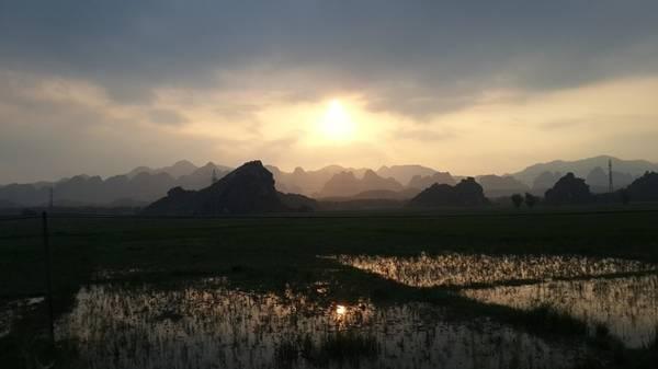 Đường đi Lam Kinh về phía tây Thanh Hóa.