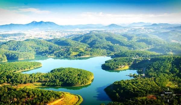 Hồ Tuyền Lâm. Ảnh: Hunter Photo