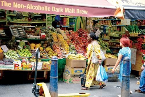 Trái cây tươi từ Caribe là một đặc sản của chợ Brixton