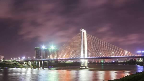 Một cây cầu ở thành phố Nam Ninh. Ảnh: Nguyễn Trường Sơn