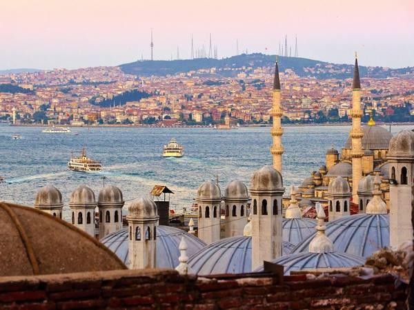 Istanbul, Thổ Nhĩ Kỳ: Nên đặt phòng trước chuyến đi khoảng 5 tháng, bạn sẽ tiết kiệm được 29% tiền phòng khách sạn. Ảnh: Flickr / Moyan Brenn