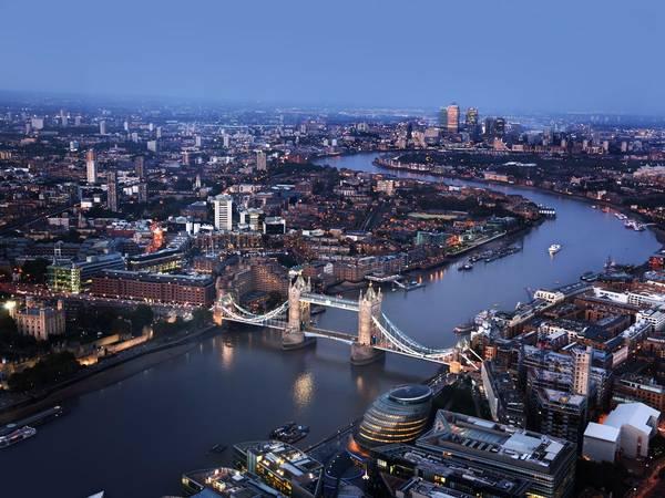 London, Anh: Nên đặt phòng trước chuyến đi khoảng từ 3 - 5 tháng, bạn sẽ tiết kiệm được 18% tiền phòng khách sạn. Ảnh: Shutterstock / Iakov Kalinin