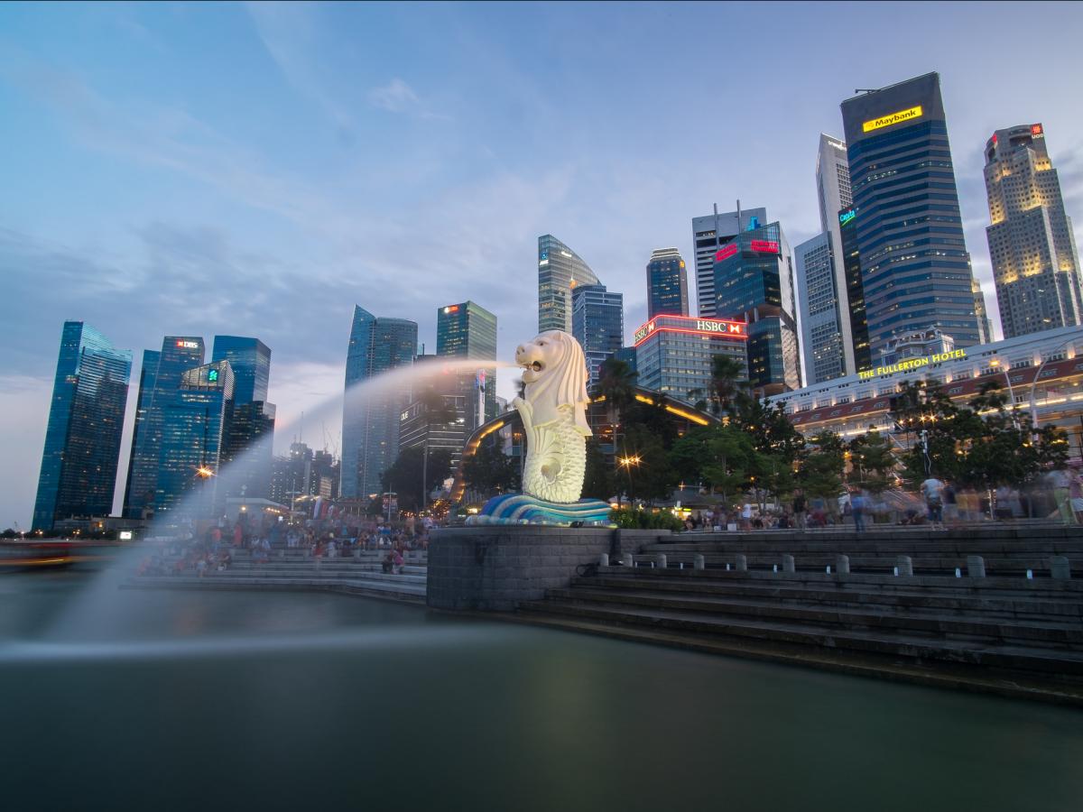 Singapore: Nên đặt phòng trước chuyến đi khoảng từ 2 tuần - 5 tháng, bạn sẽ tiết kiệm được 26% tiền phòng khách sạn. Ảnh: Flickr / David Russo