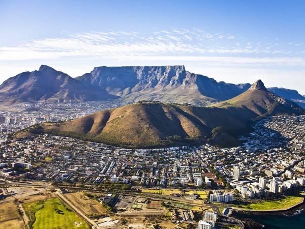 Cape Town, Nam Phi: Nên đặt phòng trước chuyến đi khoảng 3 tháng, bạn sẽ tiết kiệm được 13% tiền phòng khách sạn. Ảnh: Shutterstock / Andrea Willmore