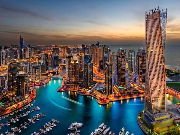 Dubai, Các Tiểu vương quốc Ả Rập thống nhất: Nên đặt phòng trước chuyến đi khoảng 2 tháng, bạn sẽ tiết kiệm được 40% tiền phòng khách sạn. Ảnh: Shutterstock / Ashraf Jandali