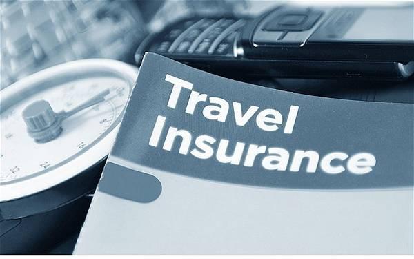 Nắm rõ chính sách bảo hiểm du lịch: Một số công ty sẽ trả tiền cho các chi phí y tế, một số thì không. Du khách nên hỏi đơn vị cung cấp bảo hiểm về các tình huống cụ thể, như các tai nạn không thể tránh khỏi hay các sự kiện bất ngờ. Ảnh: Travelanthropist.