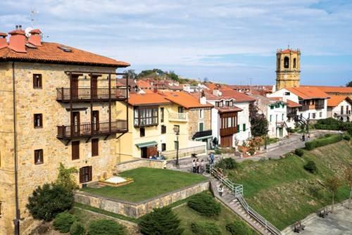 Nhà phố kiểu đặc trưng ở xứ Basque