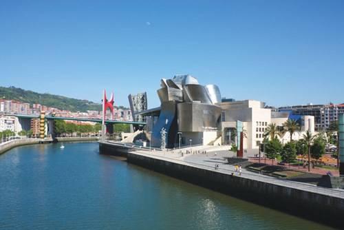 Bảo tàng Guggenheim – biểu tượng của thành phố Bilbao