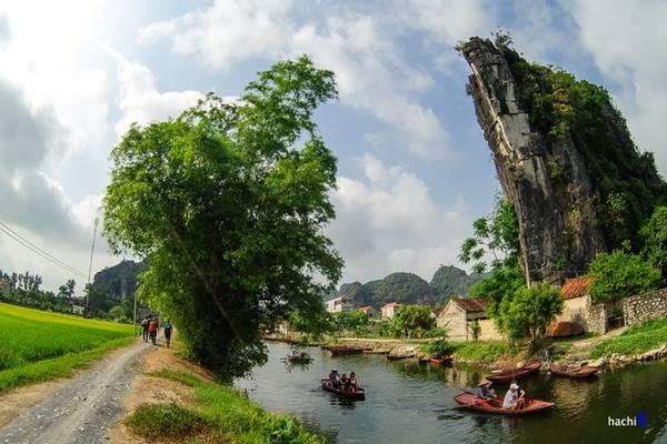 Khung cảnh bình yên ở Ninh Bình. Ảnh: Hachi8