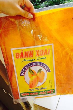 Bánh xoài là đặc sản nổi tiếng của Nha Trang.