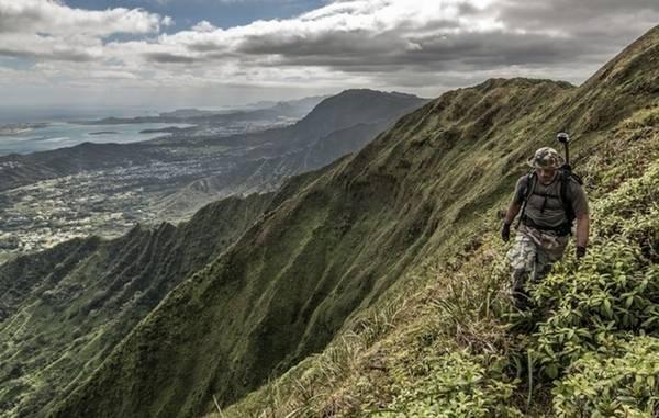 Koolau, Hawaii: Hãy khám phá con đường mòn đầy thú vị này trên hòn đảo O'ahu nổi tiếng. Trải dài từ vùng Đông Nam của Ohau, Makapu'u, cho đến vùng Đông Bắc, Kahuku. Con đường với chiều dài khoảng 56km này sẽ đưa bạn đi qua những khu vực đồi núi hầu như chưa bị con người khai phá.