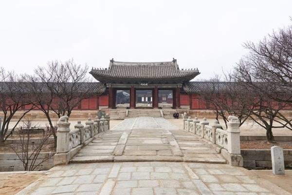 Changgyeong-gung sẽ đóng cửa vào ngày thứ 2.