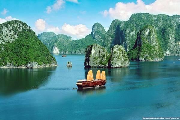Hiện, mỗi năm, Hạ Long đều nằm trong top danh hiệu bầu chọn của các website, tạp chí du lịch nổi tiếng. Một trong các danh hiệu gồm Nơi chụp hình selfe đẹp nhất, Nơi được check in trên facebook nhiều nhất, Điểm câu cá tốt nhất... Ảnh: Liveinternet.