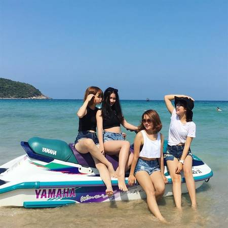 Dù mới chính thức đưa vào hoạt động chưa được 1 năm, nhưng Khu vui chơi trên biển Sealife thực sự là điểm đến vui chơi mới lạ, thu hút không ít bạn trẻ mê trải nghiệm tại biển Nha Trang.