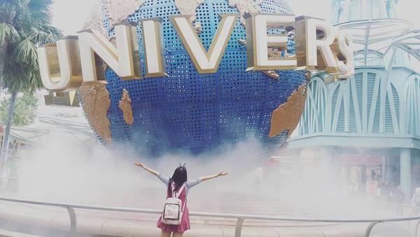 Universal Studios Singapore được xây dựng với kinh phí lên đến 4,4 tỉ USD. Đây là 1 trong 4 phim trường Universal trên thế giới và là phiên bản mới nhất của tập đoàn Universal Studios với nhiều công trình độc quyền chỉ có ở Universal Studios. Ảnh:@hwangbew