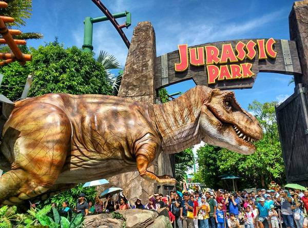 Khu The Lost World được xây dựng theo 2 bộ phim bom tấn: Công viên kỷ Jura ( Jurassic Park) và Thế giới nước (Waterworld), dành cho người hâm mộ 2 bộ phim này. Ảnh:octavianson