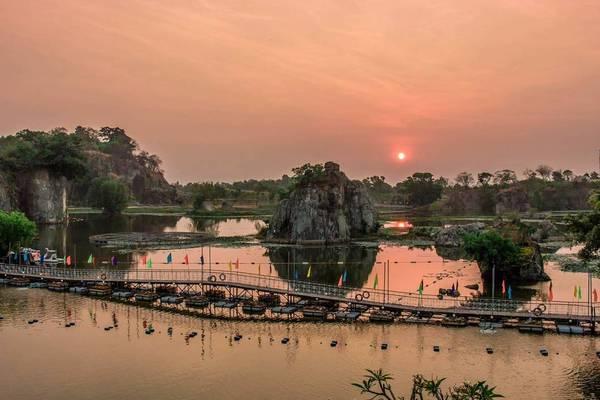 Nằm cách trung tâm thành phố Biên Hòa, tỉnh Đồng Nai khoảng 6km,khu du lịch Bửu Long đẹp một cách đầy quyến rũ giữa khung cảnh thiên nhiên tươi đẹp. Ảnh: @mrsunvt