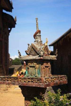 Đất nước Campuchia có vô số điều bí ẩn mà khách du lịch bốn phương muốn khám phá. Đó cũng là cơ hội và thử thách để du khách từ khắp nơi tìm hiểu những điều bí mật trên mảnh đất chùa tháp này.