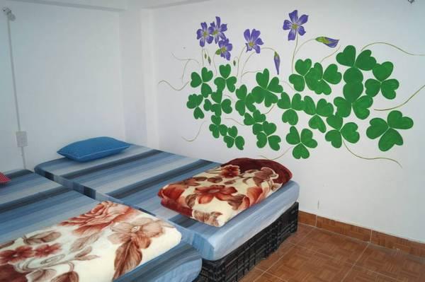 Ở Đà Lạt Note Hostel chỉ 80.000 đồng/người/đêm nên rẻ hơn nhiều so với những căn phòng Hostel ở Đà Lạt khác.