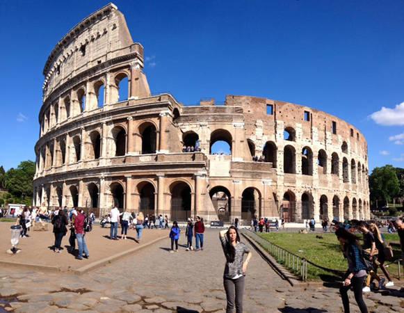 Đấu trường La Mã ở Rome (Italy).