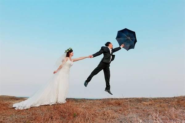 Sở hữu view đẹp, đồi Con Heo không chỉ khiến giới trẻ mê chụp choẹt đứng ngồi không yên mà còn là điểm lý tưởng để các cặp đôi lựa chọn chụp ảnh cưới. Ảnh: Quỳnh Sú