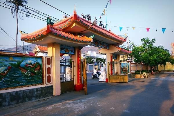 Cổng đình Thắng Tam. Ảnh: vungtau.city