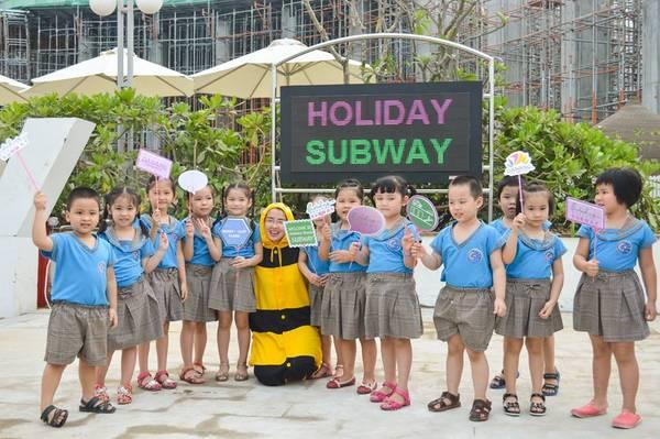 Sau khi đưa vào sử dụng, đường hầm ra biển này được dự đáon sẽ là điểm vui chơi mới của trẻ em Đà Nẵng.