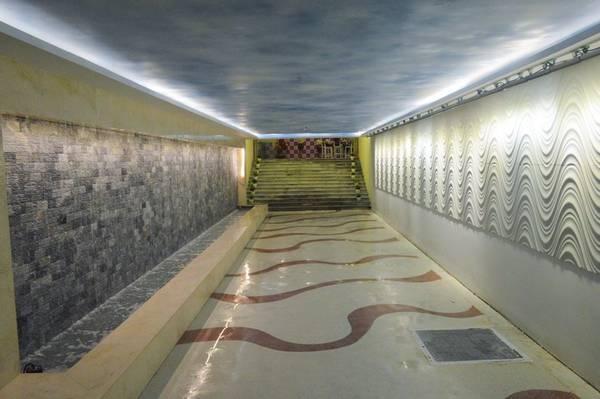 Đường hầm với nhiều nét kiến trúc khác nhau sẽ là một địa điểm chụp hình lý tưởng trước khi bạn bước ra biển và chơi đùa.