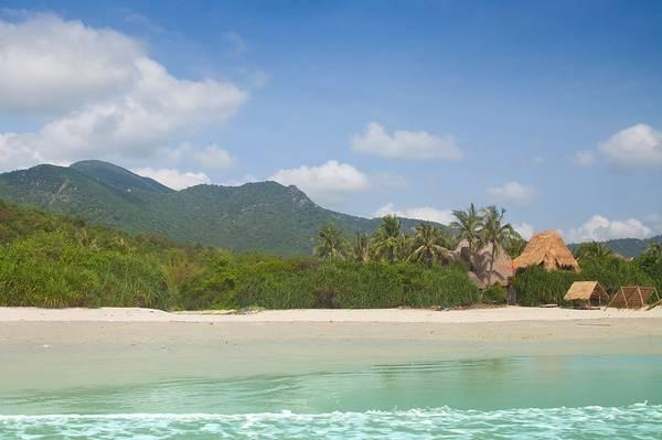 Biển xanh cát trắng. Ảnh: Jungle Beach