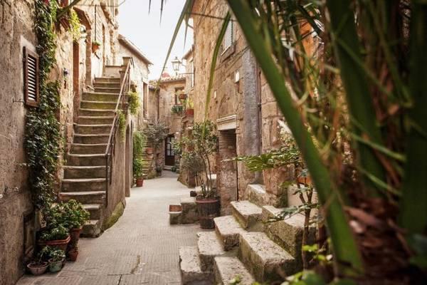 Một con phố ở Pitigliano - Ảnh: wp