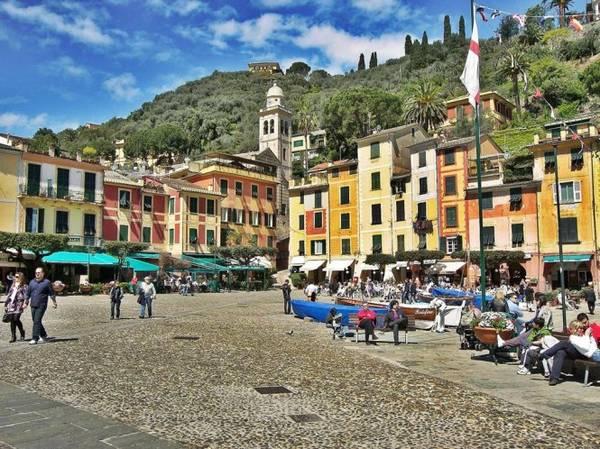 Quảng trường chính ở làng Portofino - Ảnh: wp