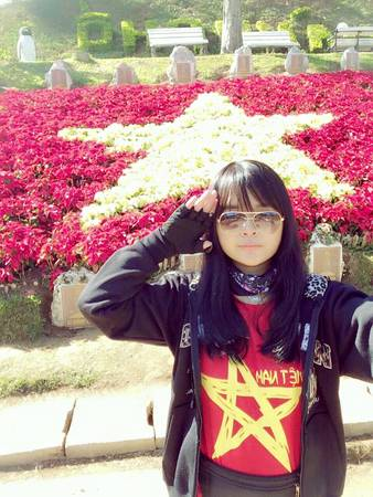 Chụp ảnh ở Vườn hoa thành phố.