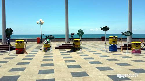 """Ngoài ra, mỗi nhân vật hoạt hình còn được mang những thông điệp về môi trường kêu gọi người dân và du khách giữ gìn thành phố thêm xanh: """"Hãy chung tay vì thành phố Vũng Tàu xanh – sạch – đẹp"""", """"Vì Vũng Tàu yêu thương ra đường không xả rác"""",…"""