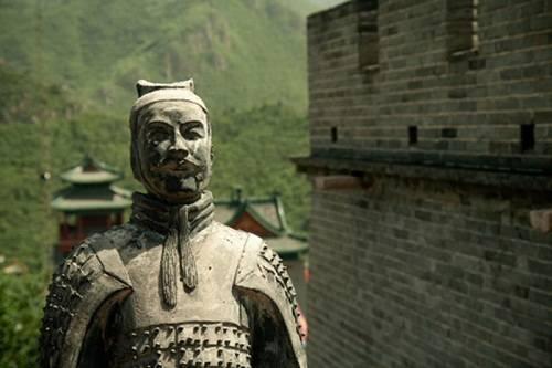 Tượng lính canh đặt trên pháo đài Xifeng Kou. Ảnh: Wanderlust
