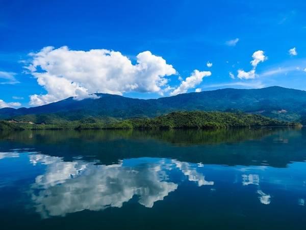 Hồ Tà Đùng. Ảnh: Hải An.