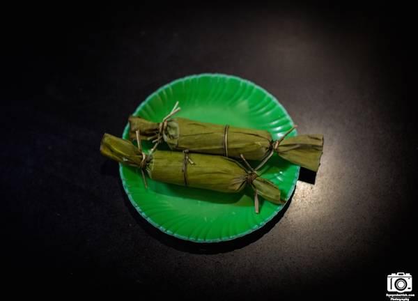 Món chả Huế dùng để ăn chơi, giá 4.000 đồng/cái.