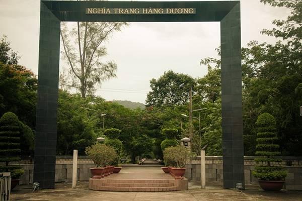 Nghĩa trang Hàng Dương là một trong những nghĩa trang lớn và nổi tiếng nhất nước. Ảnh: Trần Minh Sướng.