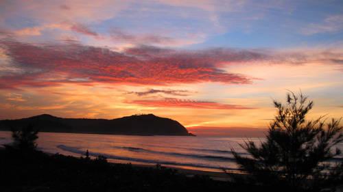 Cảnh biển Sa Huỳnh. Ảnh: quangngaichannel