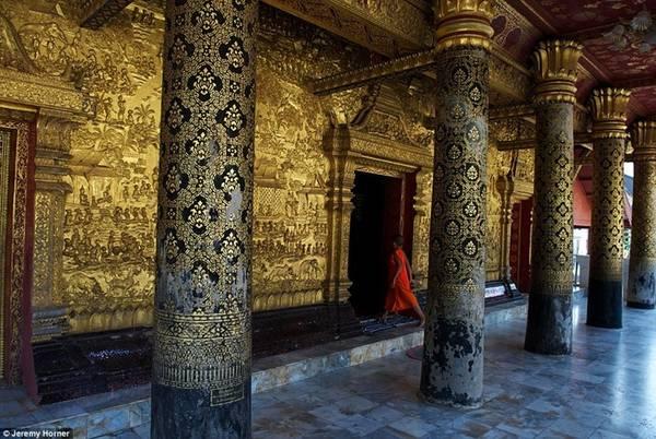 Chùa Wat Mai ở Luang Prabang, Lào với những chi tiết trang trí công phu.