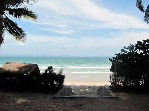 Với 4 xã ven biển, Hòn Khói quanh năm đều có hải sản tươi ngon.