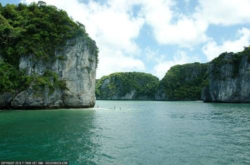 Một bãi san hô nơi du khách có thể lặn biển thỏa thích. Ảnh: Trần Việt Anh