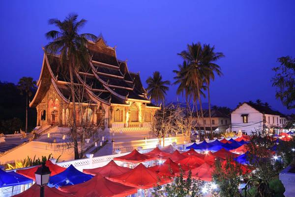 Chợ đêm Luang Prabang.