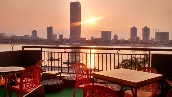 Hostel với view khá đẹp, ở đây bạn có thể chiêm ngưỡng những cây cầu đặc trưng của Đà Nẵng dưới những góc nhìn đẹp mắt và bao quát.