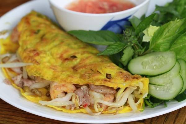 Đường Tuyên Quang là con đường nổi tiếng với món bánh xèo ở Phan Thiết. Ảnh:mcn.vn